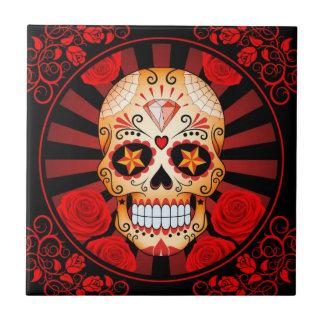 Cráneo rojo del azúcar del vintage con el poster d teja cerámica