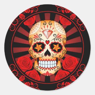 Cráneo rojo del azúcar del vintage con el poster etiquetas redondas
