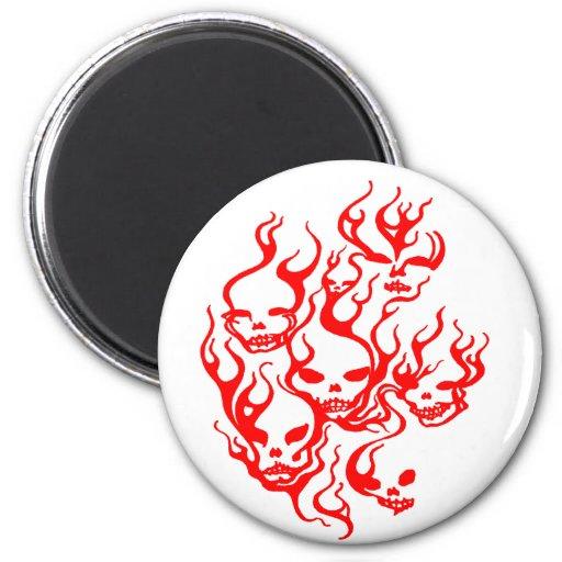 Cráneo-rojo llameante imán redondo 5 cm