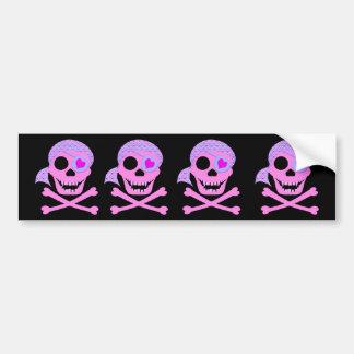 Cráneo rosado Bumpersticker del pirata Pegatina De Parachoque