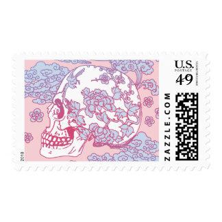 Cráneo rosado del flor sello postal