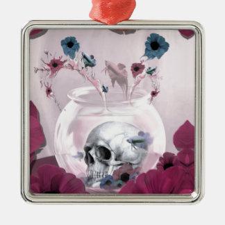 Cráneo rosado en cuenco de los pescados ornamentos de reyes magos