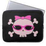 Cráneo rosado lindo del dibujo animado con las gaf mangas portátiles