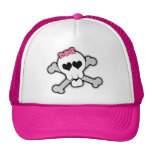 Cráneo rosado y bandera pirata con los corazones y gorros