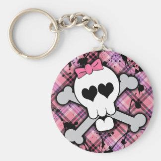 Cráneo rosado y bandera pirata con los corazones y llavero personalizado