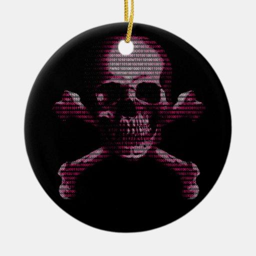Cráneo rosado y bandera pirata del pirata adorno redondo de cerámica