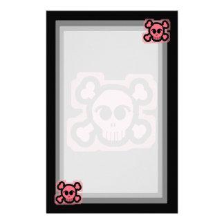 Cráneo rosado y huesos cruzados personalized stationery