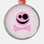 Cráneo rosado y negro, en un modelo rosado ornamento para arbol de navidad