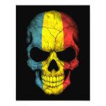 Cráneo rumano de la bandera en negro comunicado personalizado