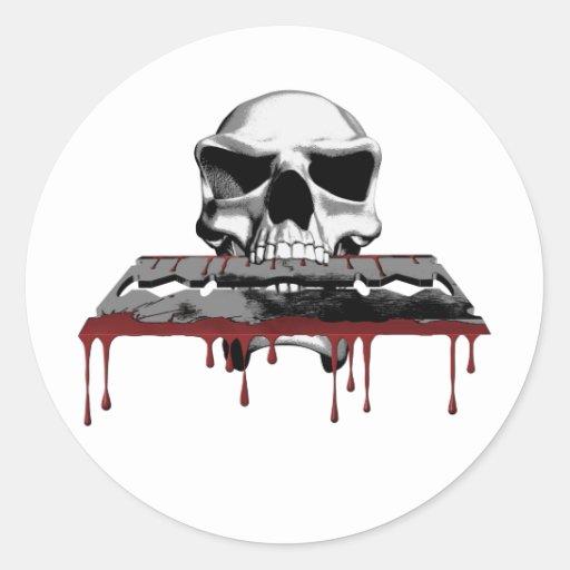 Cráneo sangriento pegatina redonda