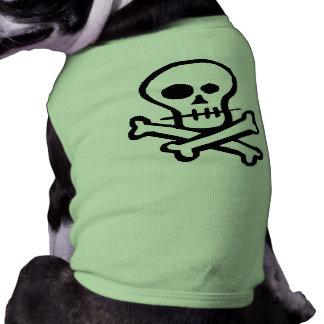 Cráneo simple y bandera pirata de B W Camisa De Mascota