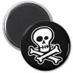 Cráneo simple y bandera pirata de B&W Imán Redondo 5 Cm