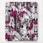 Cráneo subió de fusión en gris y rosa alfombrilla de ratón