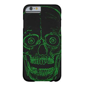 Cráneo tóxico del demonio del verde del cráneo de funda barely there iPhone 6