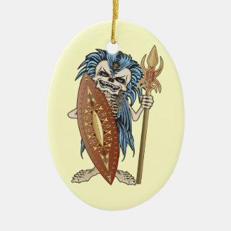 Cráneo tribal del guerrero adorno navideño ovalado de cerámica