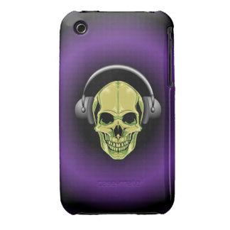 Cráneo verde con los auriculares iPhone 3 Case-Mate fundas