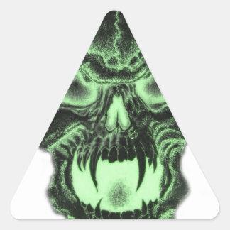 Cráneo verde del vampiro pegatina triangular