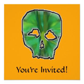 Cráneo verde, fondo anaranjado invitación 13,3 cm x 13,3cm
