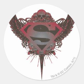 Cráneo y alas del logotipo del superhombre pegatina redonda