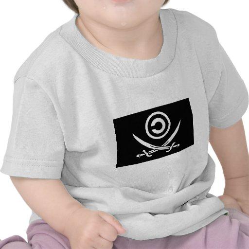 Cráneo y bandera de Anti-Copyright Copyleft de la Camiseta