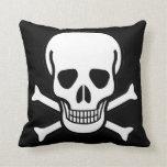Cráneo y bandera pirata almohada