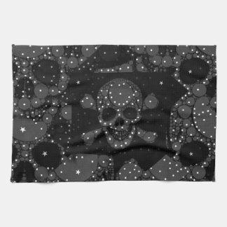 Cráneo y bandera pirata de Bling Toalla