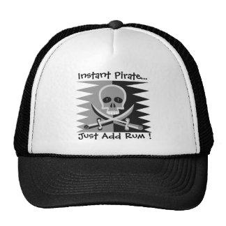 ¡Cráneo y bandera pirata del pirata - apenas añada Gorro