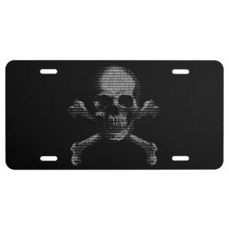 Cráneo y bandera pirata del pirata informático placa de matrícula