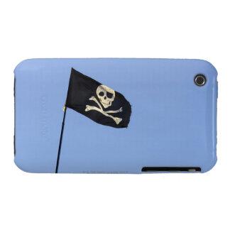 Cráneo y bandera pirata en la bandera de pirata en Case-Mate iPhone 3 cobertura