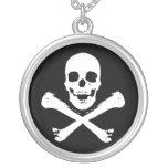 Cráneo y bandera pirata joyería