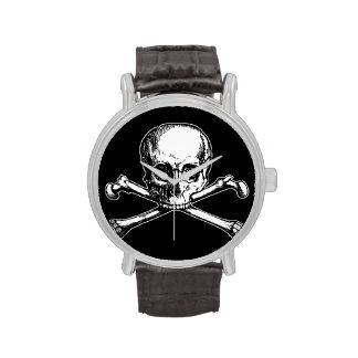 Cráneo y bandera pirata relojes de pulsera