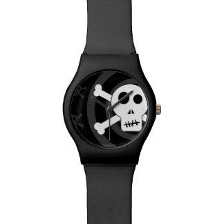 Cráneo y bandera pirata relojes