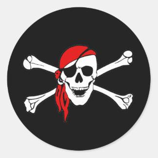 Cráneo y bandera pirata Rogelio alegre de bandera Pegatina Redonda
