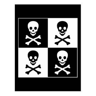 Cráneo y bandera pirata postal