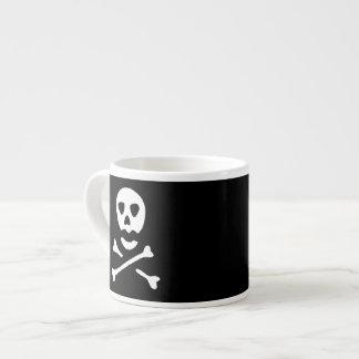 Cráneo y bandera pirata taza espresso