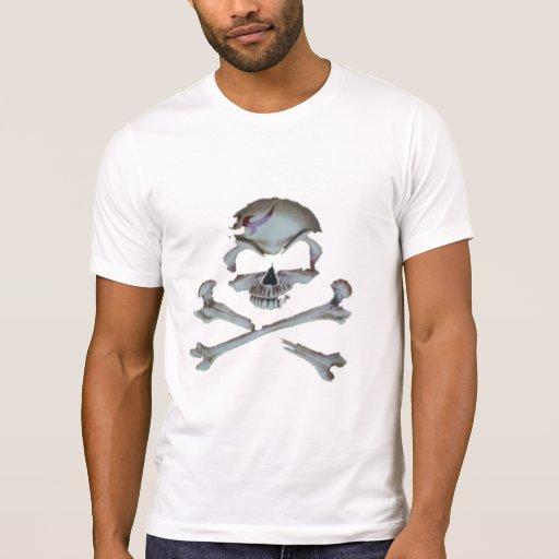 Cráneo y camiseta de la bandera pirata - polera