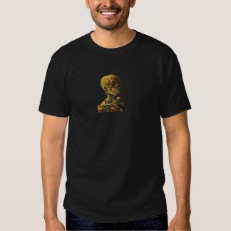 Cráneo y cigarrillo ardiente Van Gogh del vintage Playera