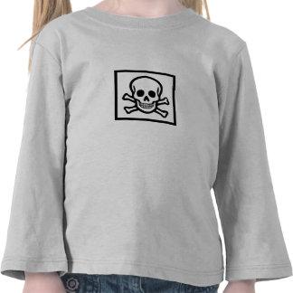 Cráneo y cuadrado de la bandera pirata camisetas