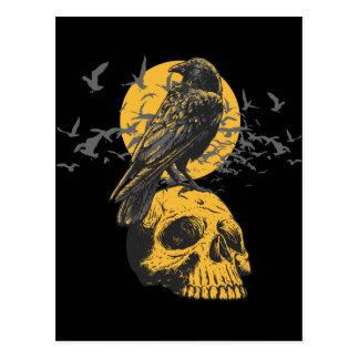 Cráneo y cuervo tarjetas postales