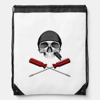 Cráneo y destornilladores v2 mochila