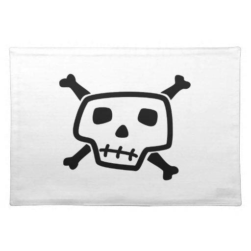 Cráneo y dibujo animado de la bandera pirata mantel