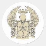 cráneo y diseño adaptable de las alas pegatina redonda