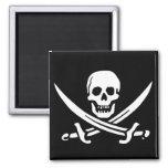 Cráneo y espadas del pirata imanes para frigoríficos