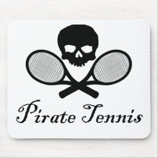 Cráneo y estafa del tenis del pirata tapetes de ratón