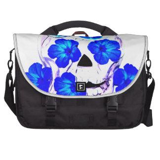 Cráneo y flores azules bolsa de ordenador