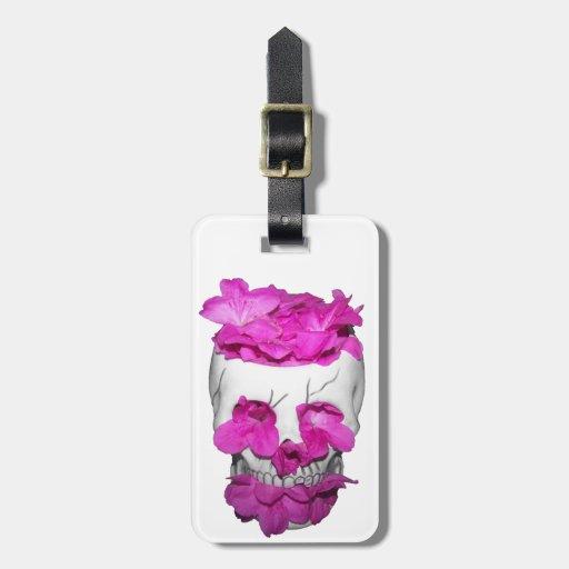 Cráneo y flores rosadas etiquetas maletas