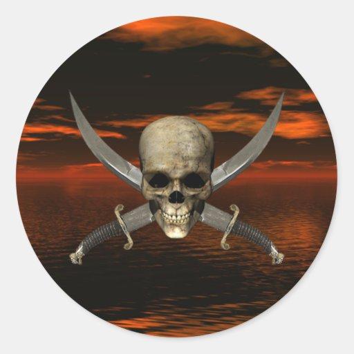 Cráneo y fondo cruzado 1 del cielo de las espadas pegatina redonda
