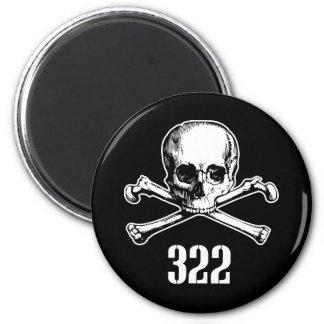 Cráneo y huesos 322 imán redondo 5 cm