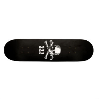 Cráneo y huesos 322 patines personalizados