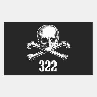 Cráneo y huesos 322 pegatina rectangular